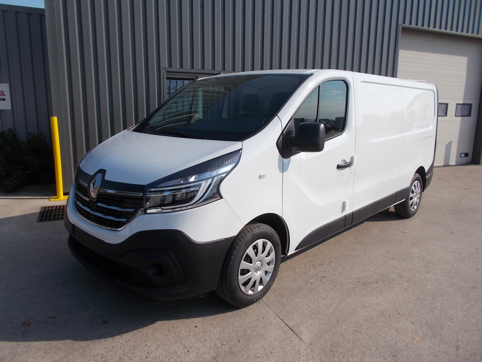 RENAULT TRAFIC III L2H1 FOURGON 2.0 Blue DCI 120 GRAND CONFORT