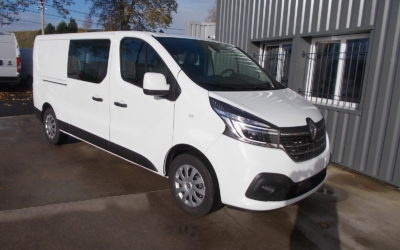RENAULT TRAFIC L2H1 FOURGON 2.0 Blue DCI 145 TT PACK EXTRA MEDIA NAV CABINE APPROFONDIE FIXE 06 PLACES