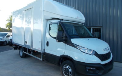 IVECO DAILY CCB 35C16 CAISSE 20 m3 HAYON + 1 PORTE LATERALE A DROITE