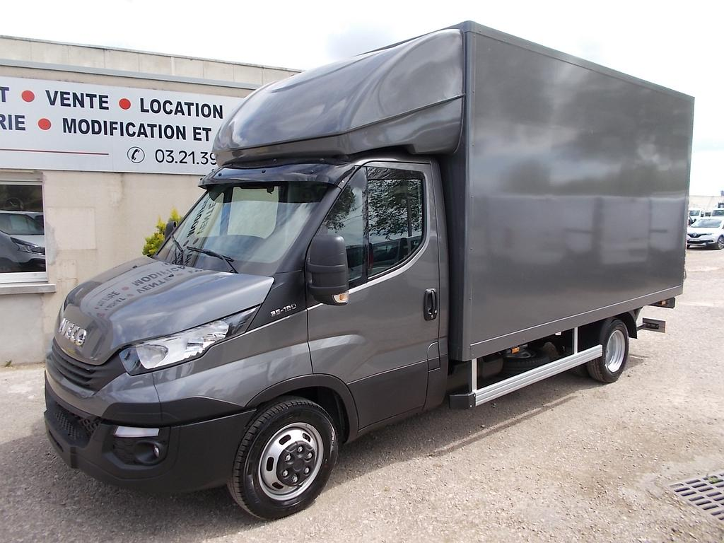 Iveco Caisse 20 m3 + hayon neuf