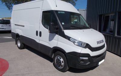 IVECO DAILY 35C14 V12 FOURGON ROUES JUMELEES PACK BUSINESS 03 PLACES