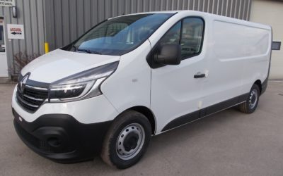 NOUVEAU RENAULT TRAFIC L2H1 FOURGON 2.0 Blue DCI 170 TT EDC PACK EXTRA MEDIA NAV 03 PLACES NEUF