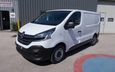 RENAULT TRAFIC L1H1 FOURGON 2.0 Blue DCI 170 TT EDC PACK EXTRA MEDIA NAV 03 PLACES NEUF