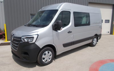 RENAULT MASTER Phase 2 L2H2 FOURGON 2.3 BLUE DCI 135 PACK EXTRA MEDIA NAV CABINE APPROFONDIE FIXE 07 PLACES NEUF